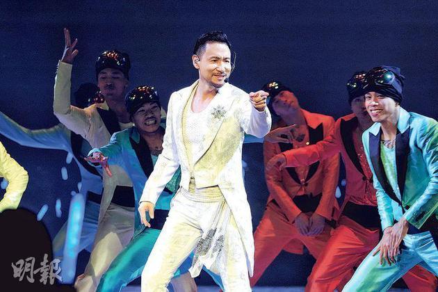 張學友昨晚(1月11日)回到香港紅館舉行演唱會,又跳又唱,狀態十分好。