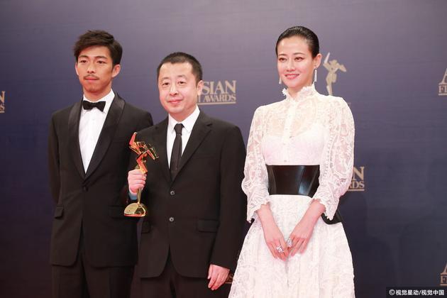 贾樟柯获最佳编剧,颁奖嘉宾是章宇和谭卓