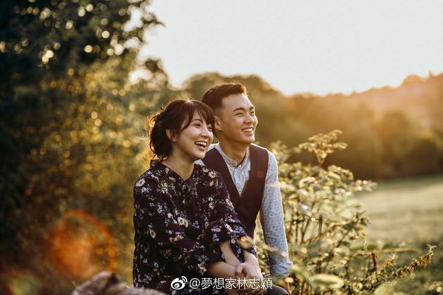 林志颖弟弟林志龙和老婆婚纱照