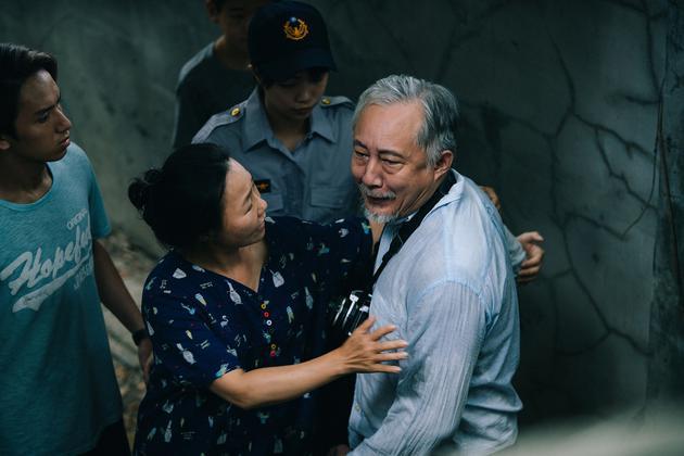 張做驥正在《那個我最親愛的目生人》参加本身照顧得智母親的經歷