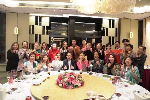 任达华出席蔡卓妍的双料影后庆功宴