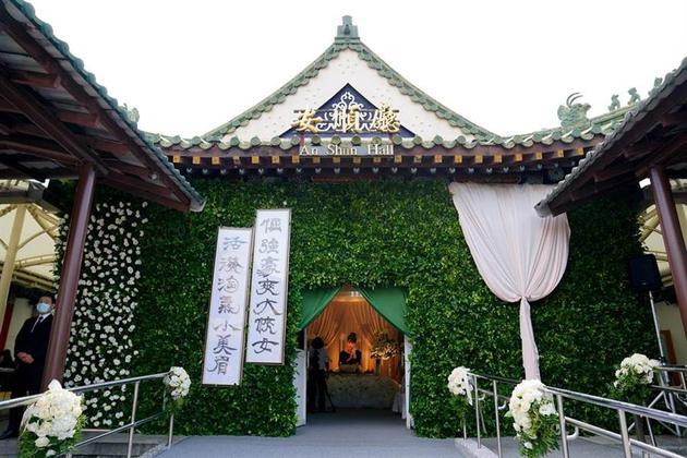 罗霈颖告别式在台北举行 现场氛围典雅庄重
