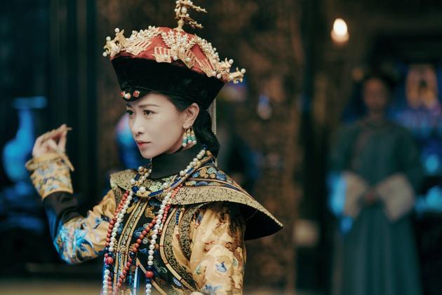 佘诗曼在《延禧攻略》中饰演娴妃