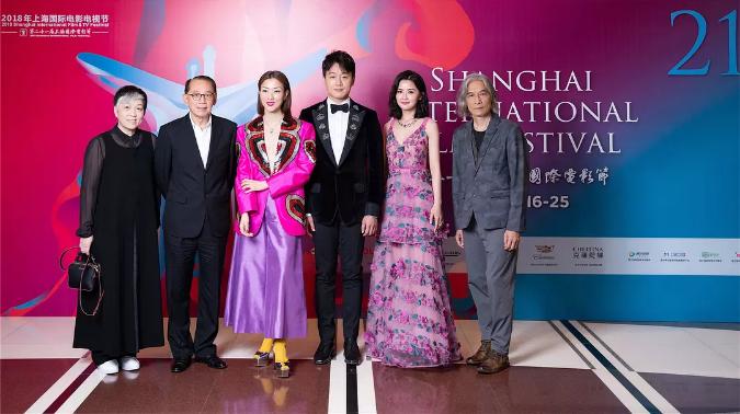 郑秀文、佟大为、蔡卓妍主演的《圣荷西谋杀案》在上海电影节红毯