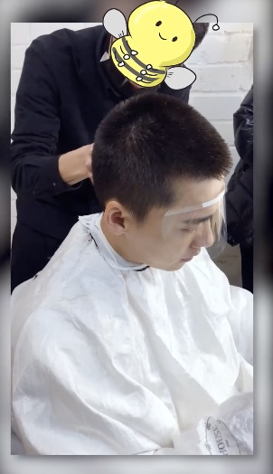 李易峰云理发