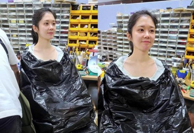 40岁张娜拉晒工作花絮照 素颜状态依然可爱