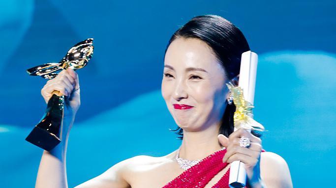 陶虹获白玉兰最佳女配角 感谢小欢喜剧组没放弃自己