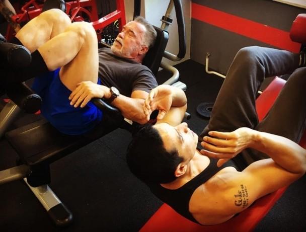 施瓦辛格为了新电影努力健身。