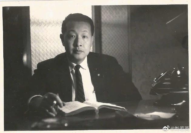 《【摩杰在线登陆注册】刘若英发长文悼念父亲:他是继续享清福去了》