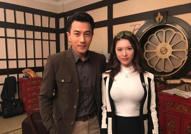 """据港媒报道,刘恺威方否定该所谓爆料,并表示并不认识该女子,""""照片是礼貌配合而已"""""""