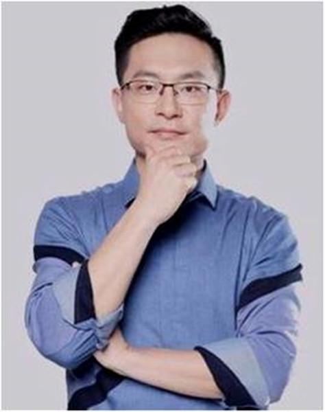 总顾问姜振宇