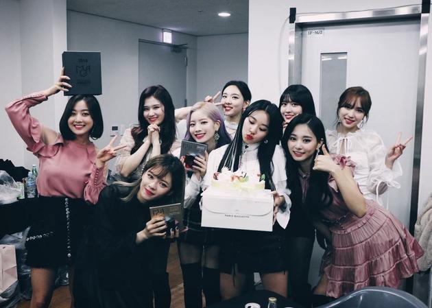 韩国女团TWICE人气高。