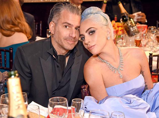 Lady Gaga疑与未婚夫分手 格莱美未戴订婚戒指