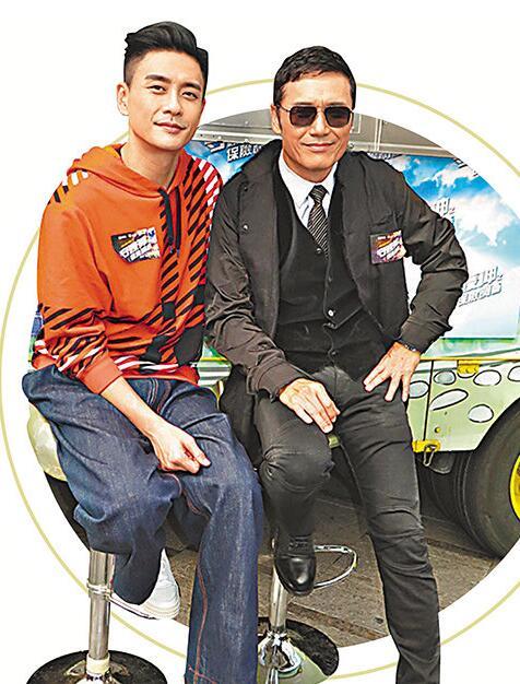 黃宗澤(左)笑着推介苗僑偉做樂壇新人!