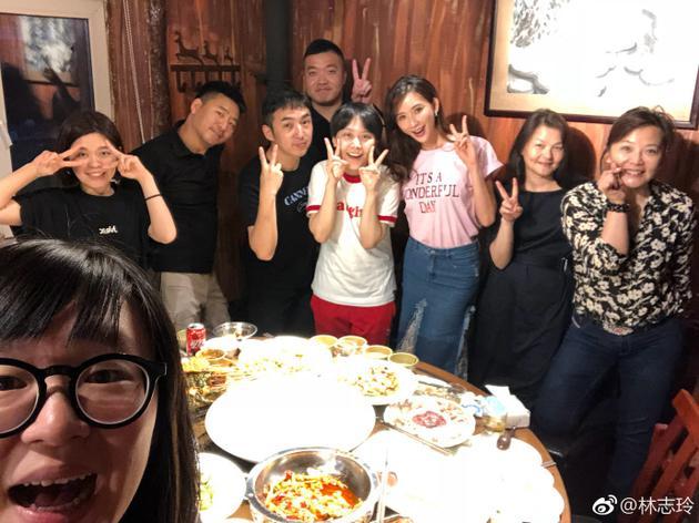 林志玲帮朋友庆生