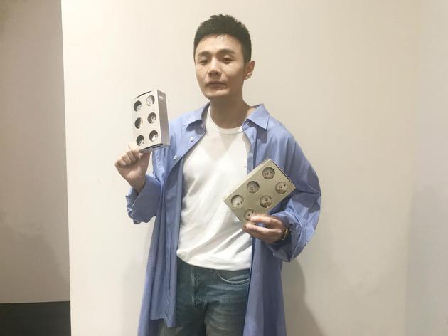 李荣浩养流浪猫