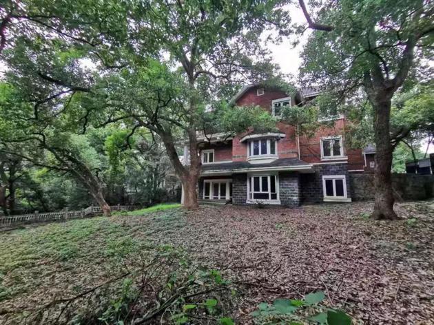 金庸杭州别墅出售 别墅加花园挂牌价格为6800万元