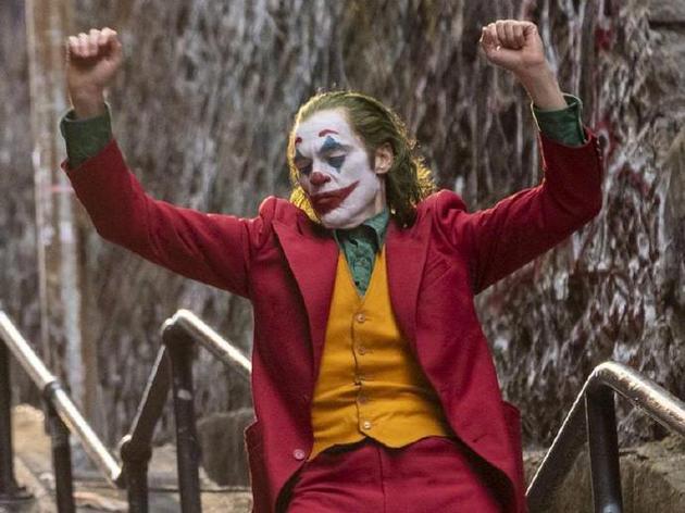 芬奇批好莱坞大公司不愿冒险 认为《小丑》是重复