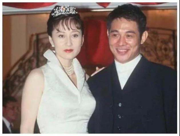 李连杰和妻子利智旧照