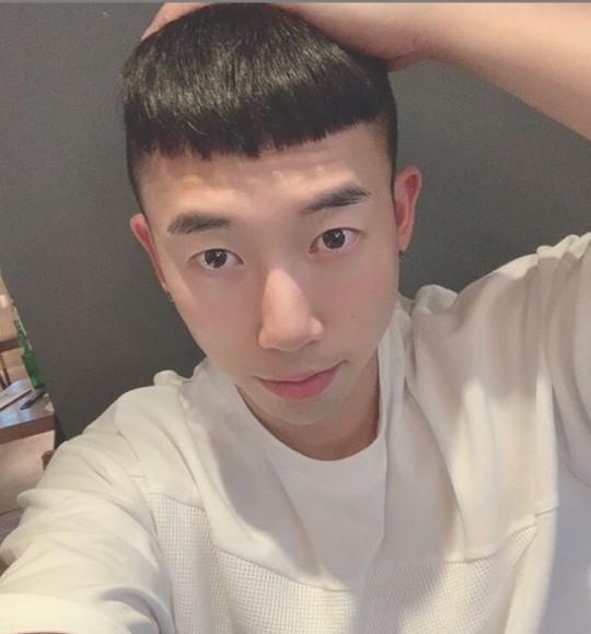 韩团U-KISS成员Hoon将提前结束兵役 月底正式退伍