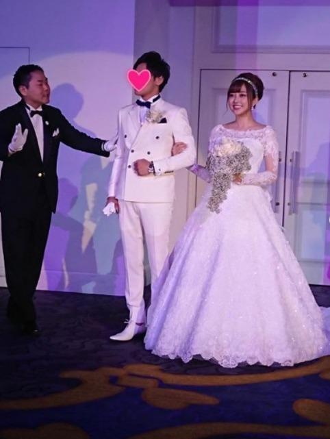 菊地亚美晒结婚现场照 粉丝留言表示祝福