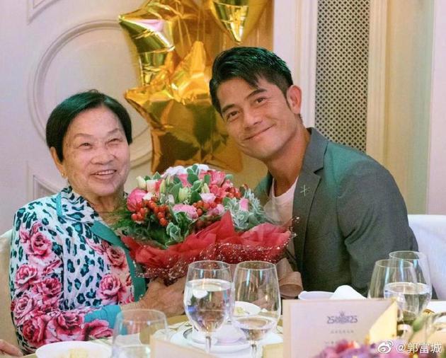 郭富城与母亲