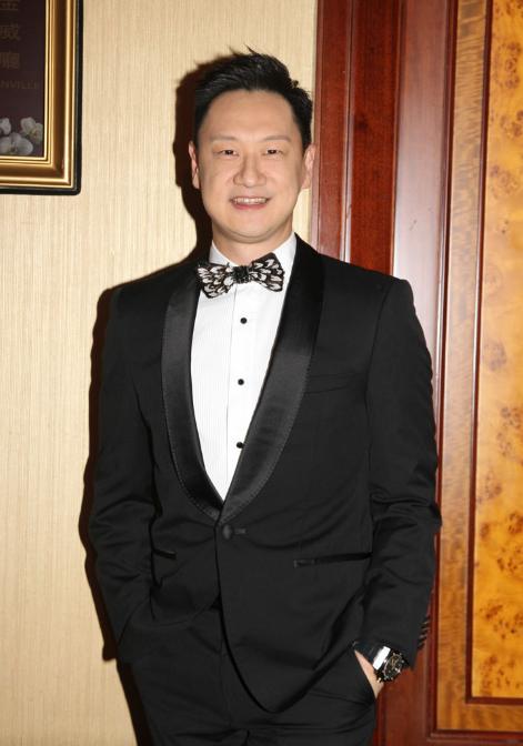 香港知名主持人李浩林