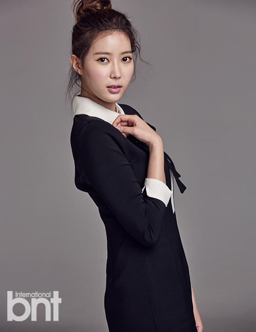 韩星林秀香拍剧发生摔伤事故 就医后发文报平安