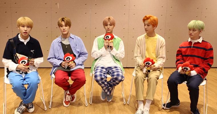 组图:对话韩男团NCT DREAM 动作又萌又可爱