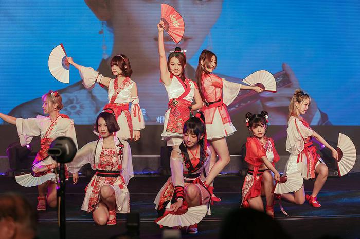 SING女团去年在一台盛典晚会上献出的国风表演