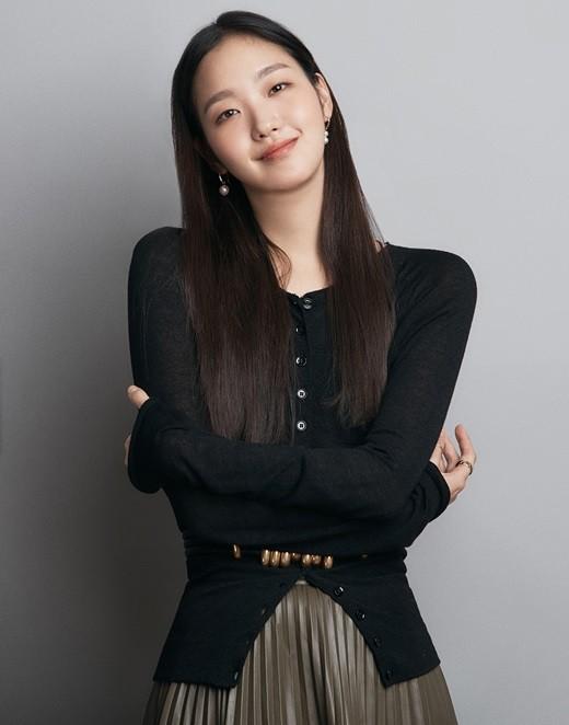 韩国女艺人金高银捐献1亿韩元帮助贫困家庭购买口罩
