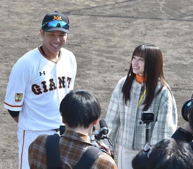 桥本环奈生日当天参加棒球开球仪式