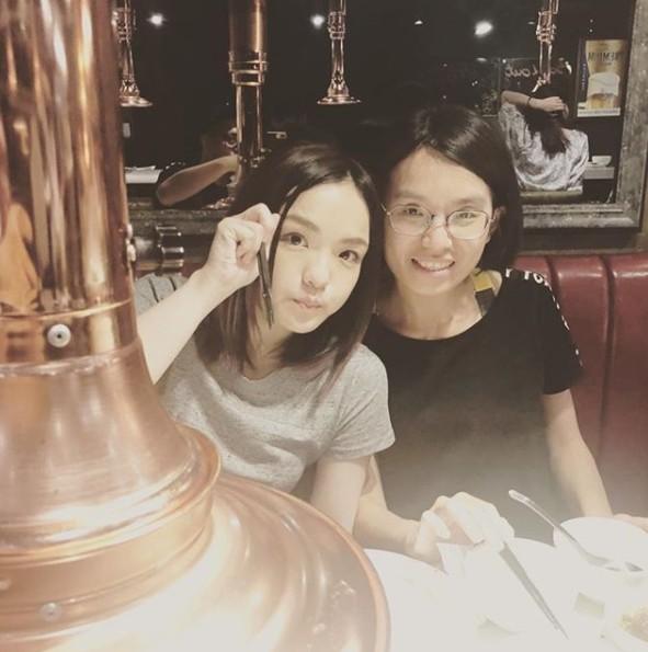 徐佳瑩與好友合照