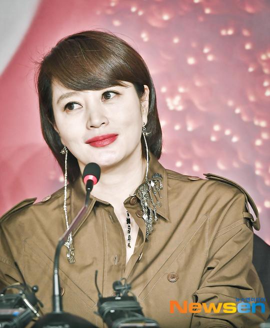 金惠秀否认与母亲债务问题有关 两人断绝关系多年