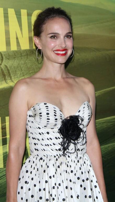 娜塔莉波特曼将执导并主演传记电影