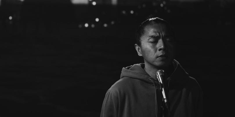 痛仰乐队高虎演唱电影推广曲《未来的路》上线