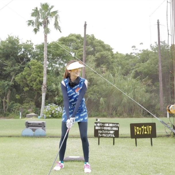 妻子为陈展鹏狂练高尔夫 共度二人世界甜蜜如初