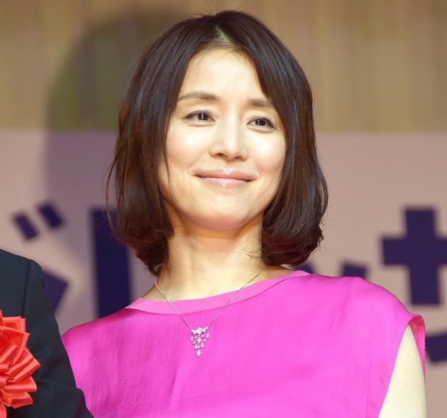 石田 百合子