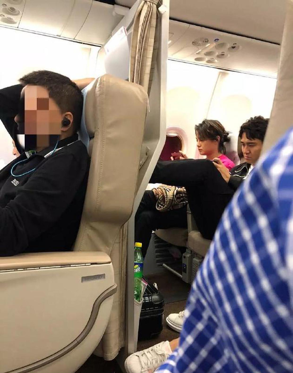 網友飛機上偶遇翟天臨
