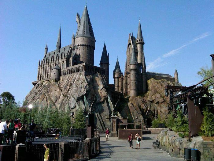 哈利-波特主题公园(图片来自网络)