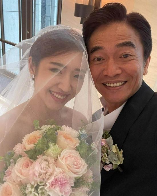 吴宗宪二女儿婚纱照曝光 感性喊爸是钢铁人