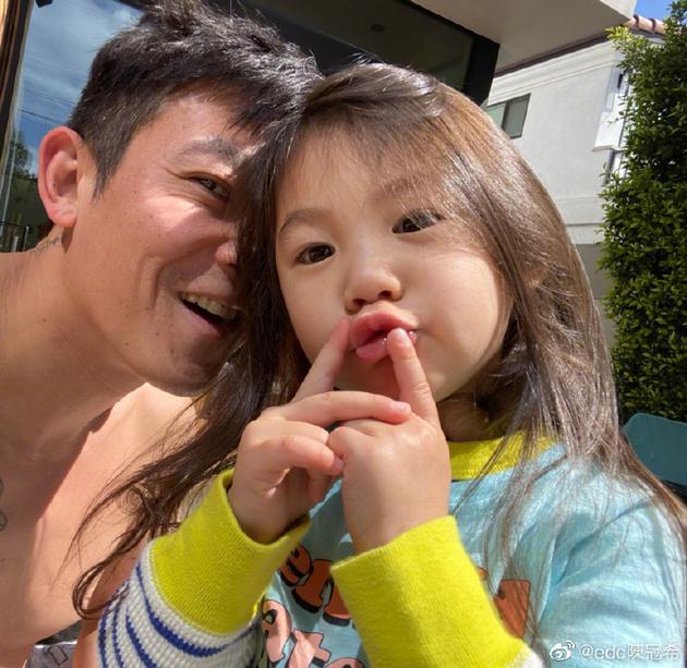 陈冠希与女儿