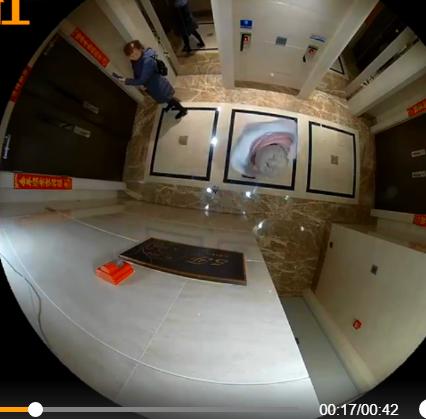 王宝强住所的监控视频曝光,表现剪刀失踪落在地