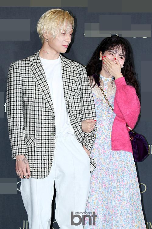 泫雅将携男友首次一同出演综艺 合体出击《认哥》