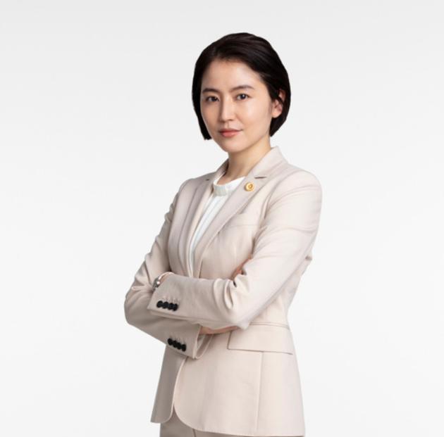 长泽雅美再演《龙樱》成为律师与恩师教育学生