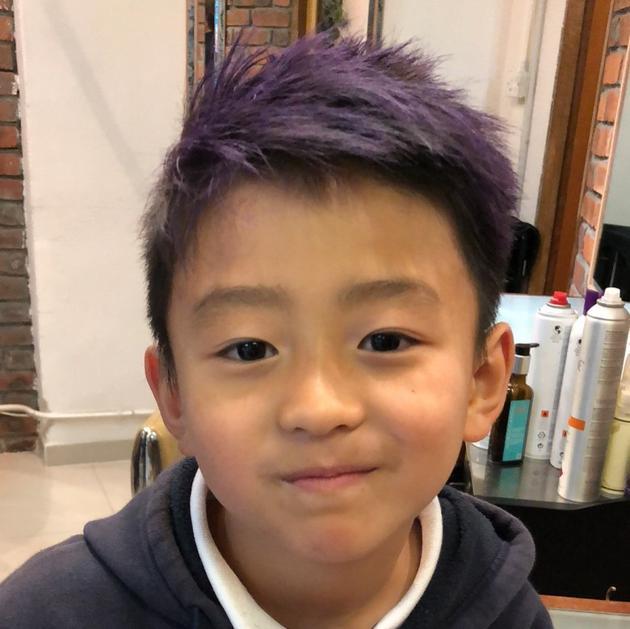 Quintus紫色头发