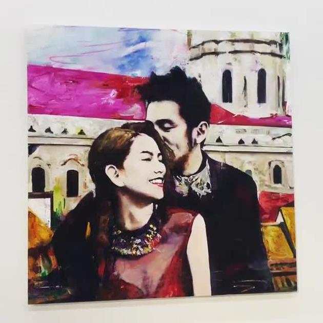 這位藝術家朋友憑着想像,爲照片添上豐富色彩,令作品別有一番風味。