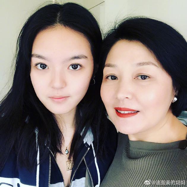 明星全接触 正文    新浪娱乐讯 5月13日,哈文[微博]在李咏[微博]去世