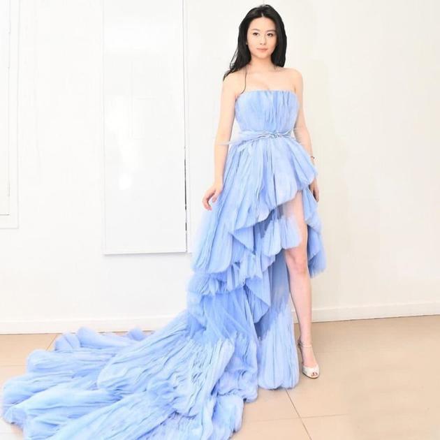 小时候梦想当公主的沈月将参加巴黎名媛舞会圆公主梦_m.y2ooo.com
