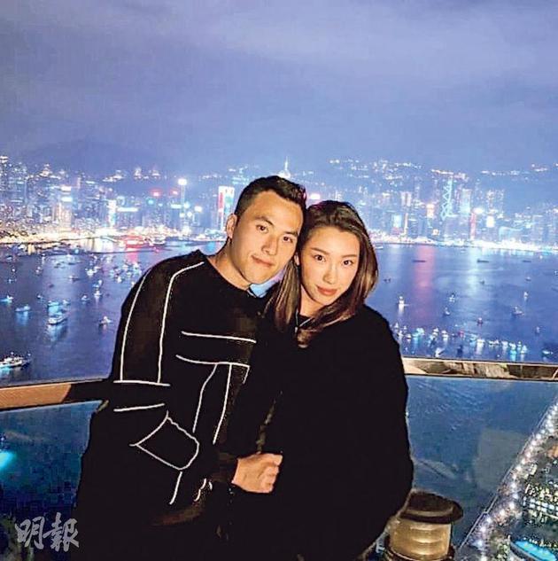 何猷啓(左)與GiGi(右)已婚一年,直至昨天(2月19日)才向外公佈。